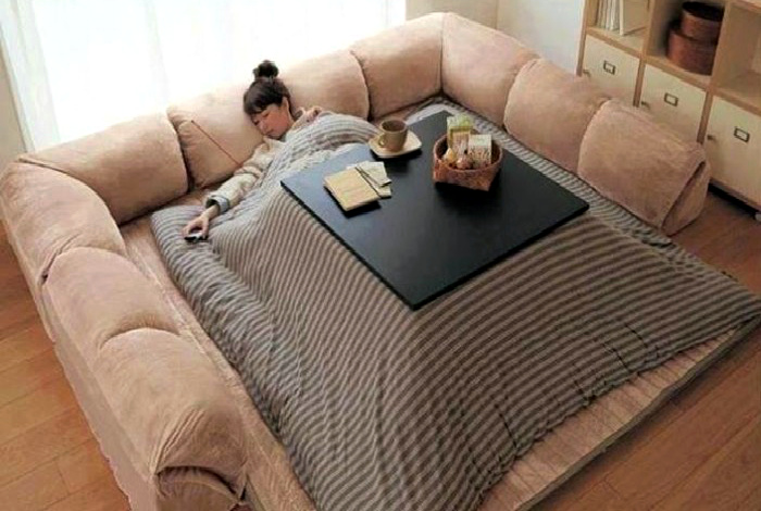 Японская кровать-стол.