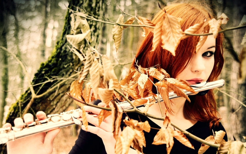 women autumn forest leaves redheads flute 1680x1050 wallpaper_www.wallpaperto.com_66