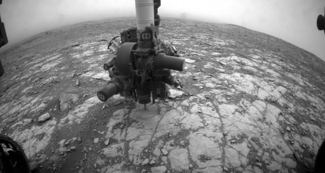Марсоход «Кьюриосити» пытался пробурить породу и наткнулся на что-то невероятно твердое