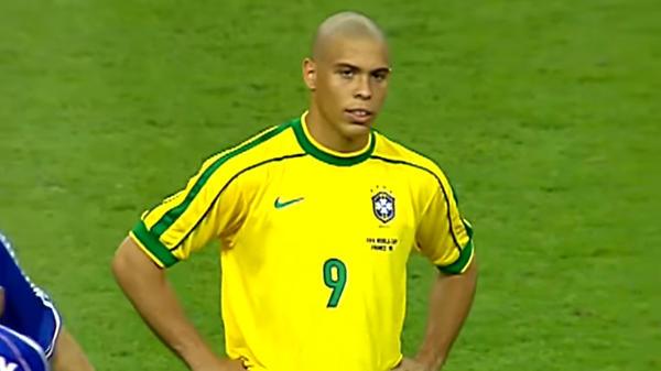Футбольные легенды: Роналдо.…