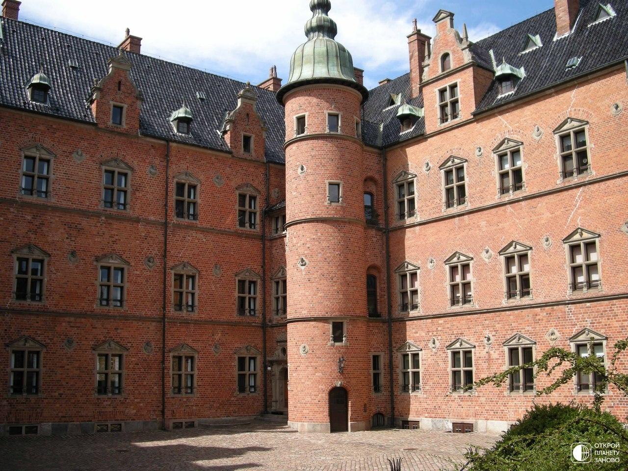 Замок Валлё (Vallo Slot)