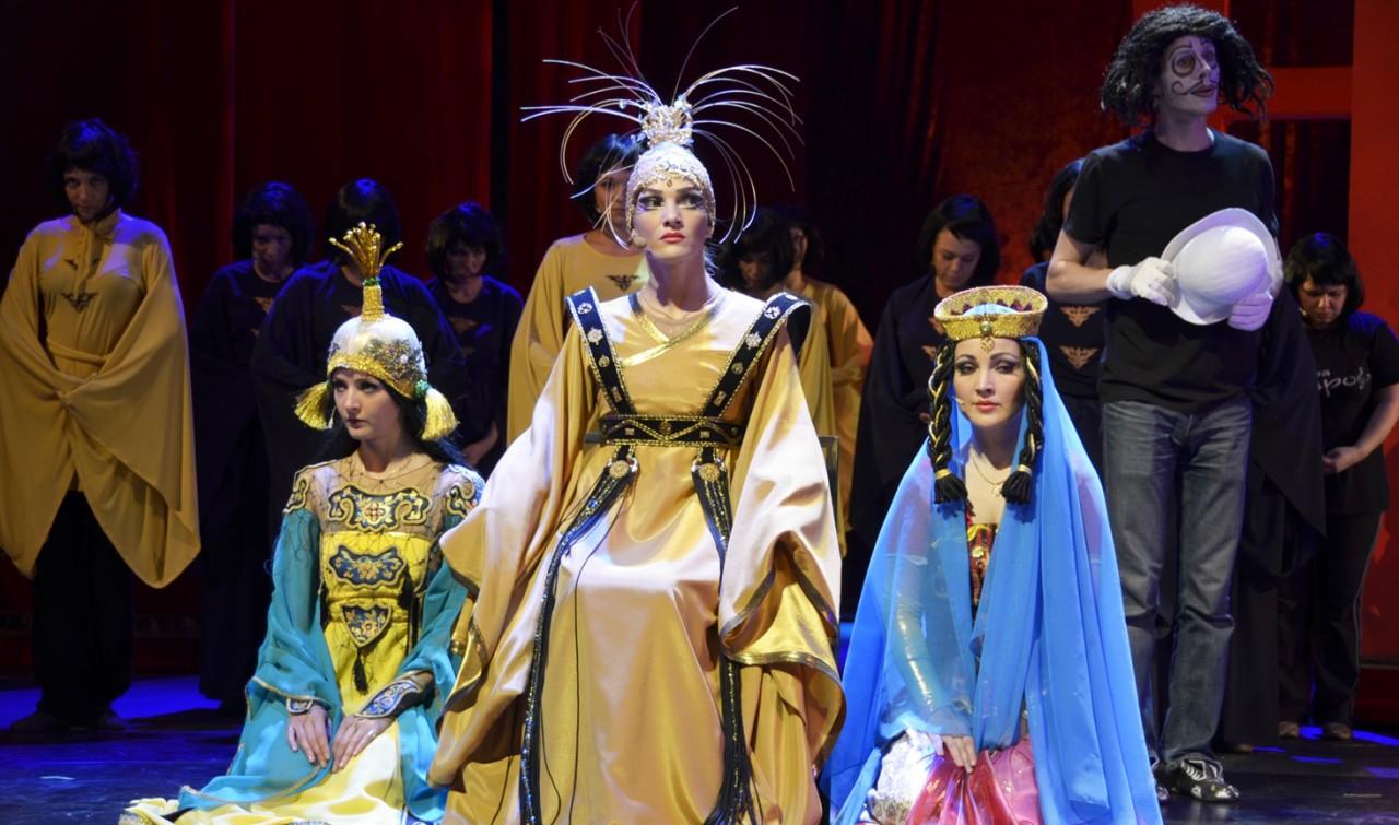 считаете, что вакансии в театре мюзикла в москве это