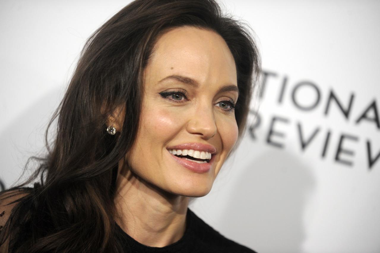 СМИ назвали имя предполагаемого возлюбленного Анджелины Джоли