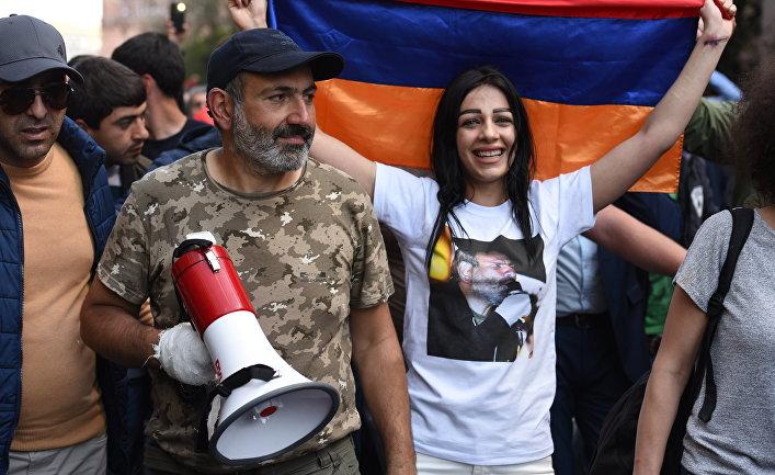 National Interest (США): Россия по-прежнему не может бороться с цветными революциями