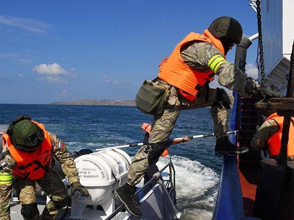 В Москве заявили о готовности арестовывать украинские бронекатера в Азовском море