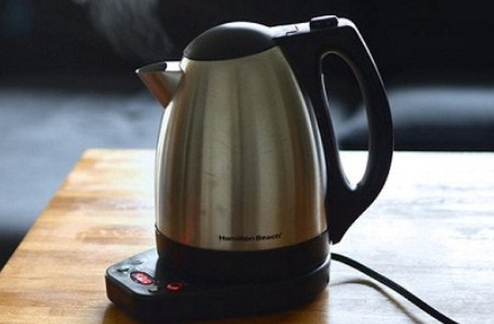 Как убрать накипь в чайнике