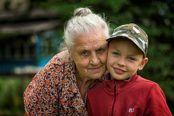 Турецким бабушкам власти платят за заботу о внуках, чтобы мамы могли спокойно выйти из декрета