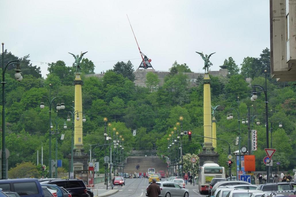 Необычные памятники Праги. Могущественный Метроном