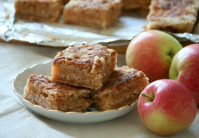 Насыпной яблочный пирог