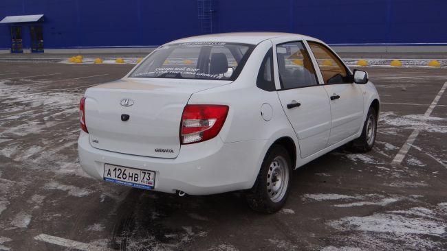 Владелец гниющей Lada Granta отсудил у «АвтоВАЗа» миллион рублей