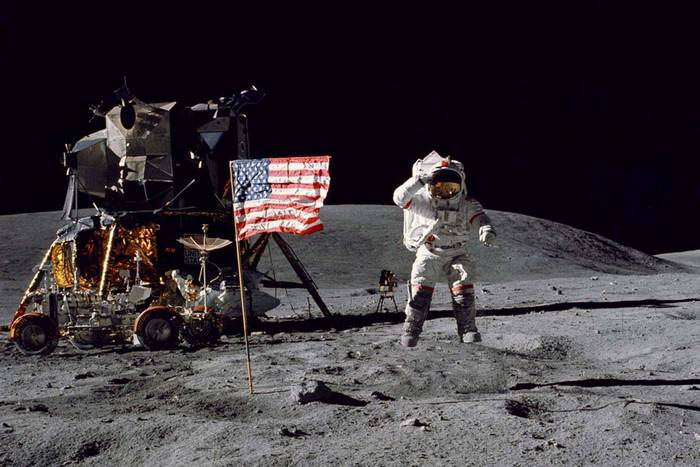 Солнечная система: лунная гравитация.