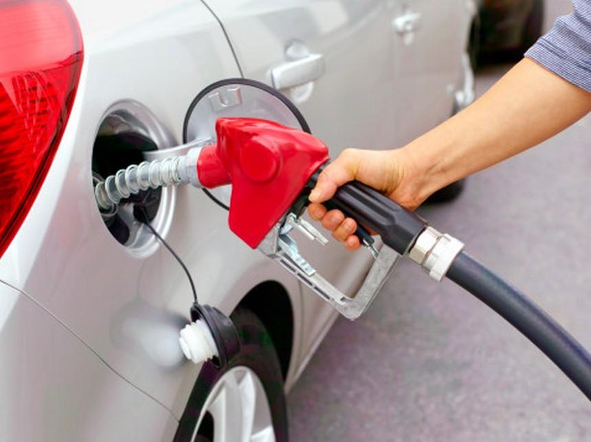 Глава РСТ объяснил рекордное повышение цен на бензин в России и анонсировал их дальнейший рост