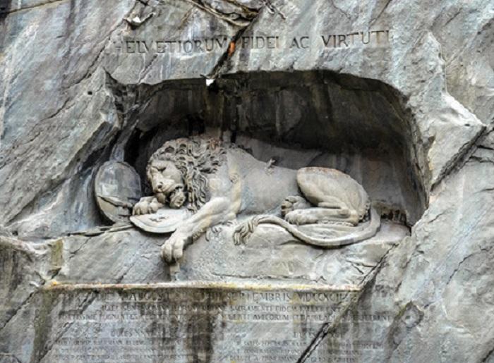 Трогательная история «самого печального памятника» в Швейцарии