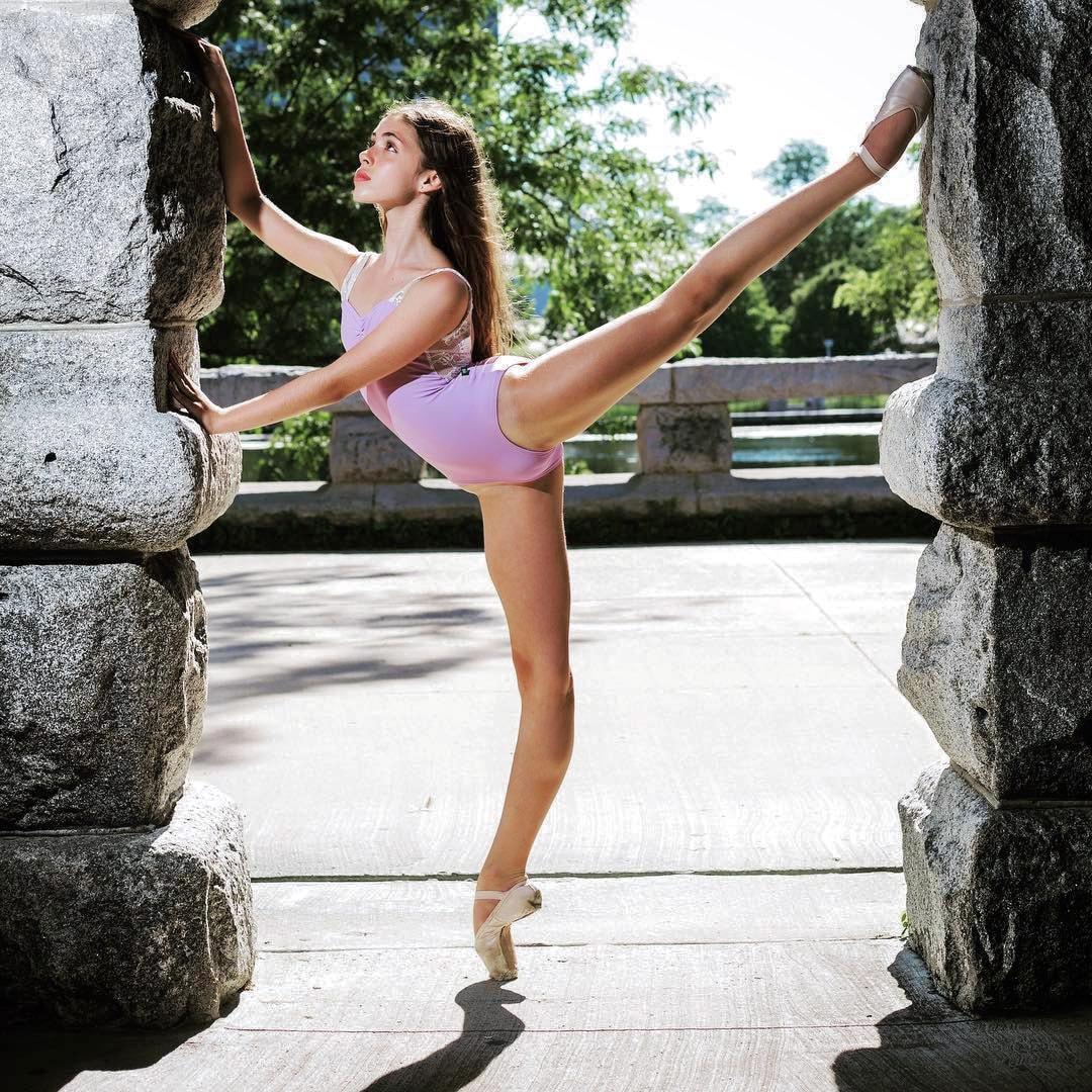 Балерины на сцене и под небом