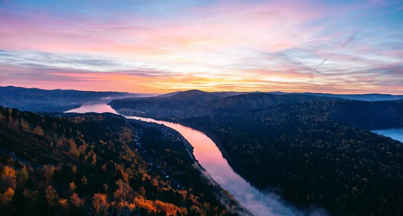 Осенний рассвет на Усть-Манс…