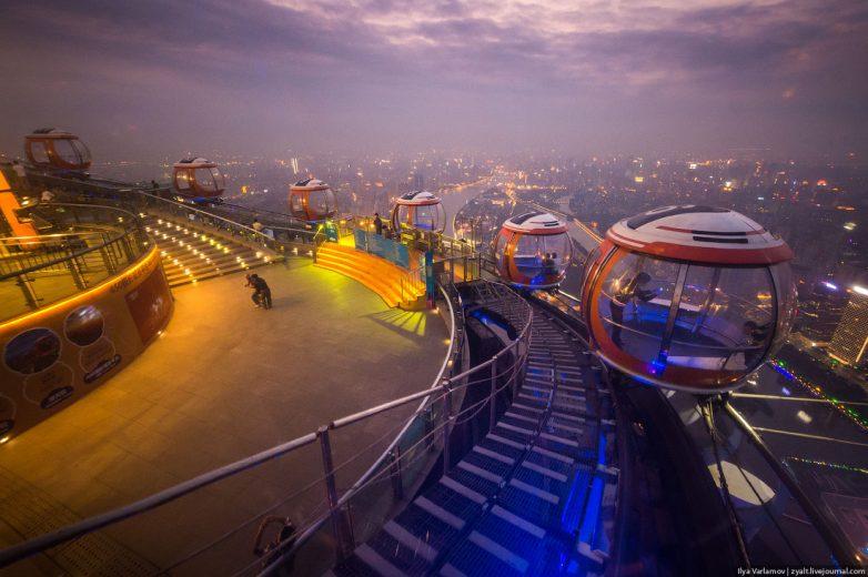 Любуемся красивыми видами, открывающимися со смотровой площадки башни Гуанчжоу