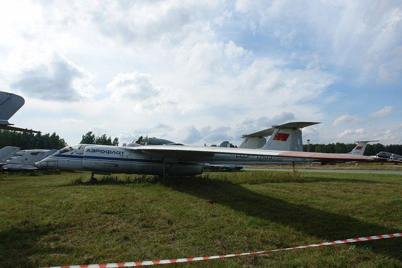 Когда одного фюзеляжа мало: самолеты двухбалочной схемы