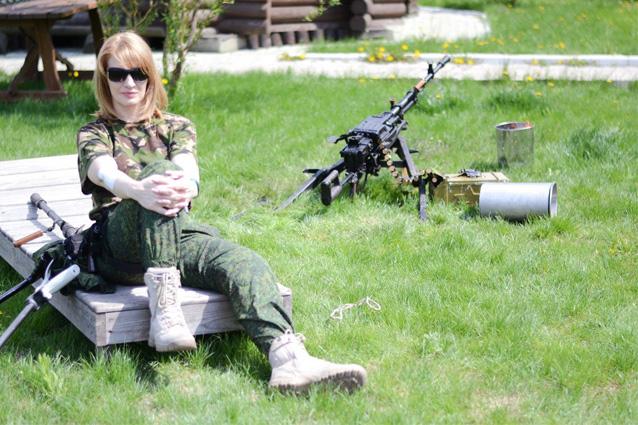 Та самая снайпер, ранившая фельдмаршала Семенченко в дупу