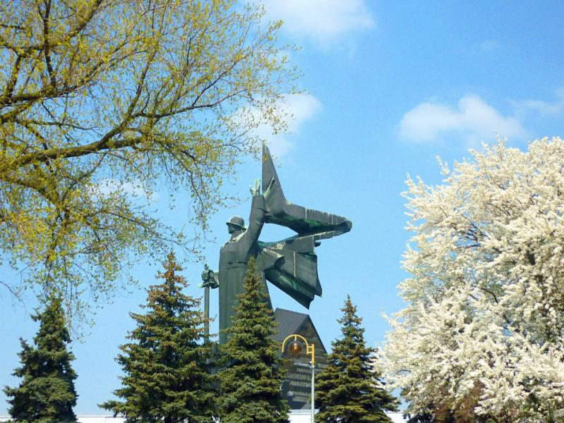 Донецк – в преддверии майских праздников и очередной укрообстрел