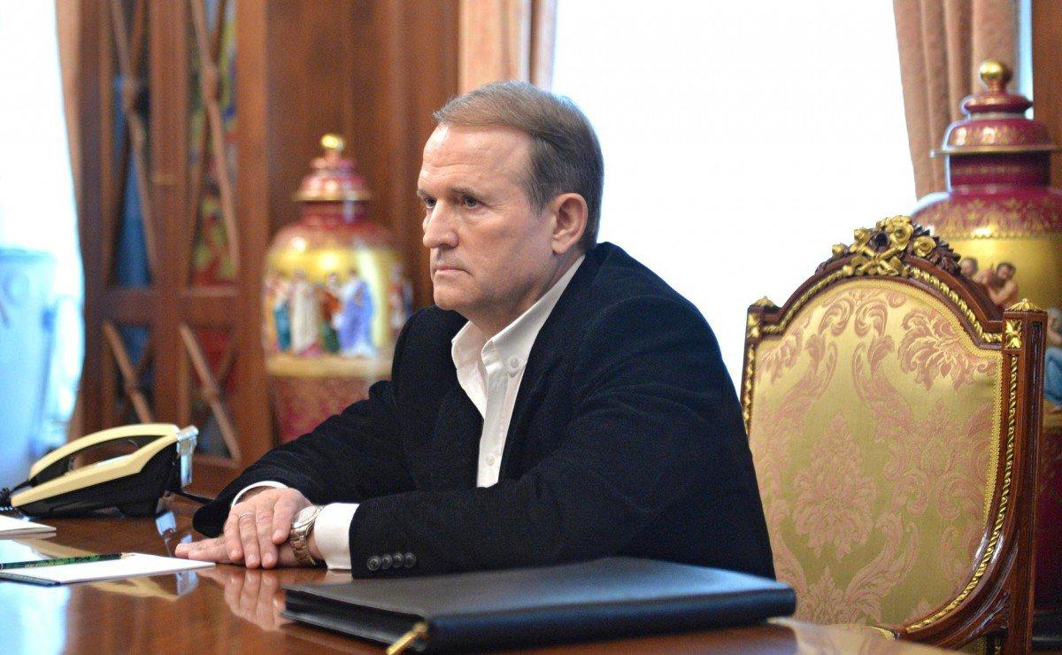 Медведчук выходит из тени в Украине и предлагает отказаться от НАТО и ЕС и тянет Киев к России