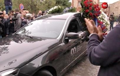 Монсеррат Кабалье похоронили в Барселоне