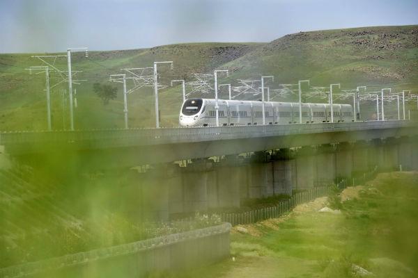 Шанхай и Пекин свяжут поезда со скоростью 350 км/ч