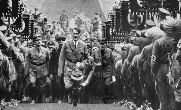Плененный комендант Берлина Вейдлинг рассказывает о последней встрече с Гитлером. Кинохроника.