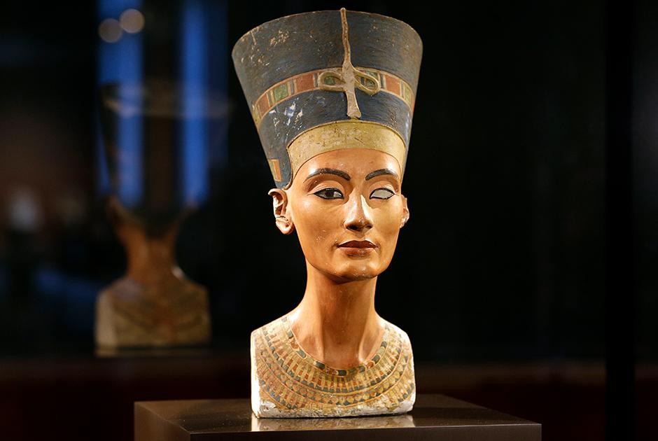 Любимая женщина фюрера Ее почитали фараоны, ею восхищался Гитлер: жизнь и смерть царицы Нефертити
