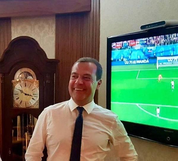 Дмитрий Медведев травмирован…