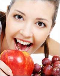 Топ-10 продуктов для красивых зубов