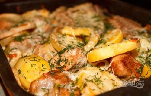Говядина с картошкой в духовке.