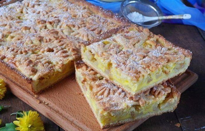 Посмотрите на эту красоту. Обалденный песочный пирог с яблоками