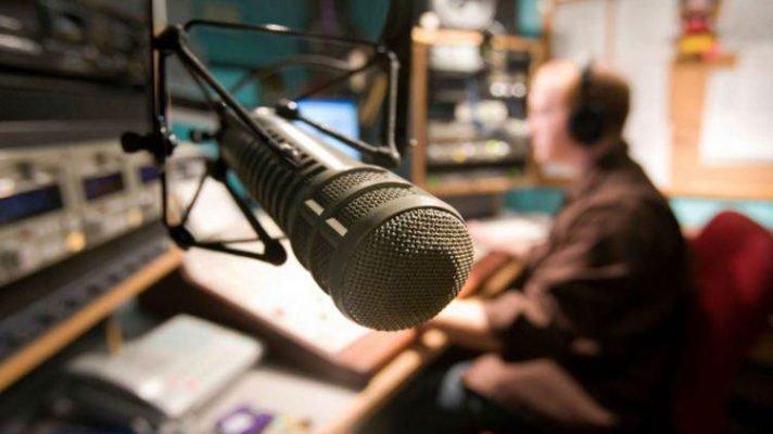 Звонок крымчанина расставил все точки над «i» на проукраинском радио