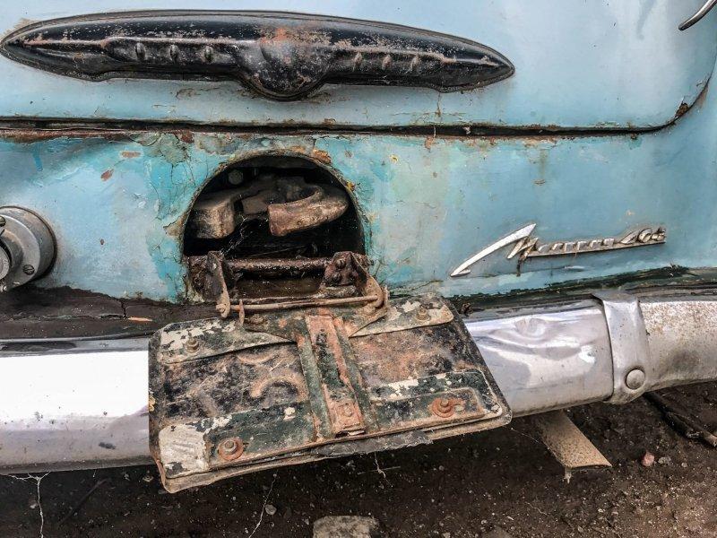 Как вам такое прицепное устройство? Представляю сколько ульев и бидонов с медом перетаскал этот старичок Москвич-430, авто, азлк, москвич, находка, олдтаймер, ретро авто, фургон