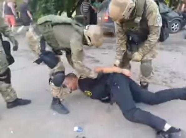 """Нацгвардия жестко пакует вытиранов батальонов """"Донбасса"""" и """"Айдара"""""""