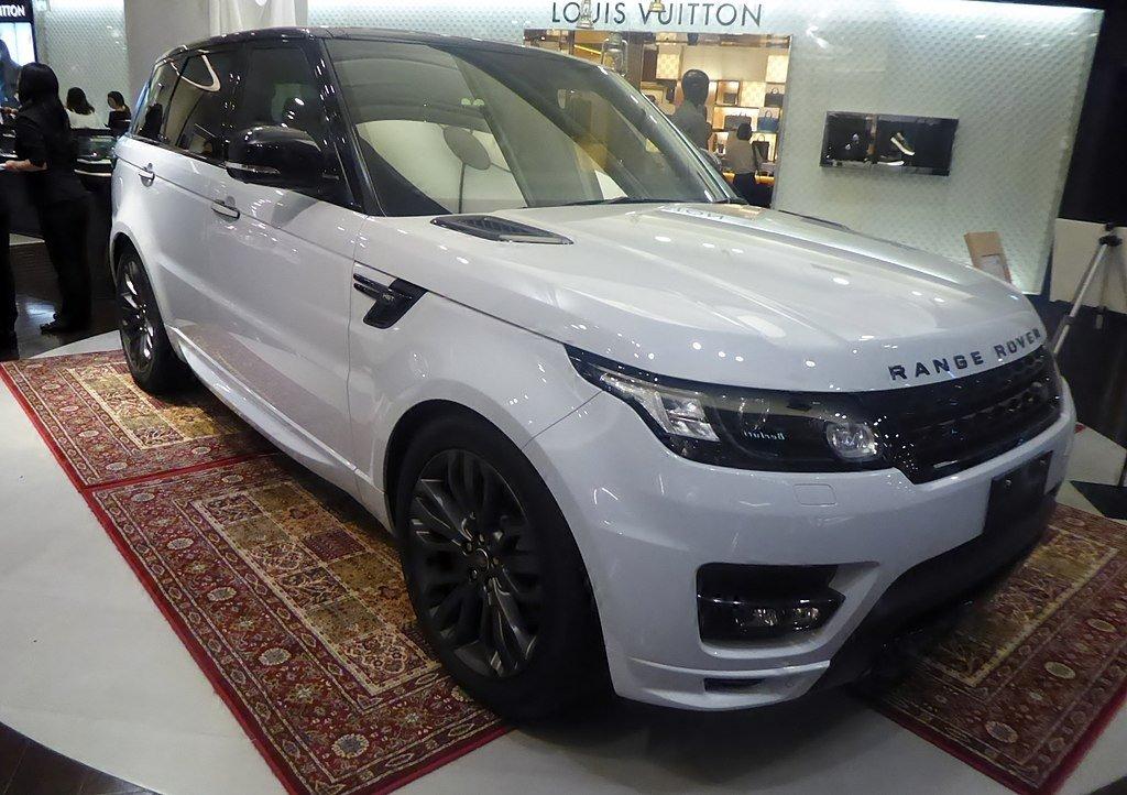Ателье Lumma Desing представило свой вариант дизайна Range Rover Sport