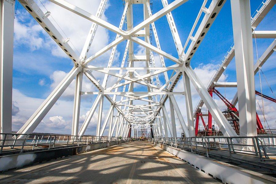 Вот так строят Крымский мост... Стройка и стройка...