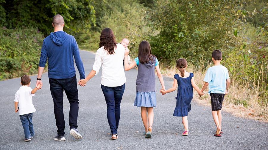 Пойдете,когда разрешат: Мам двух и более детей лишили удобного отпуска
