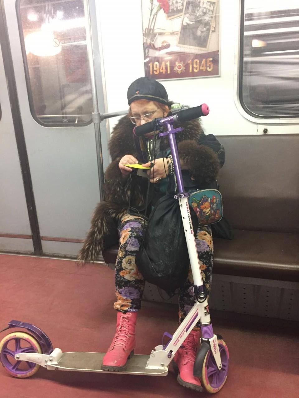 1. Когда возраст не помеха активной жизни мдники, метро, смешно, фото