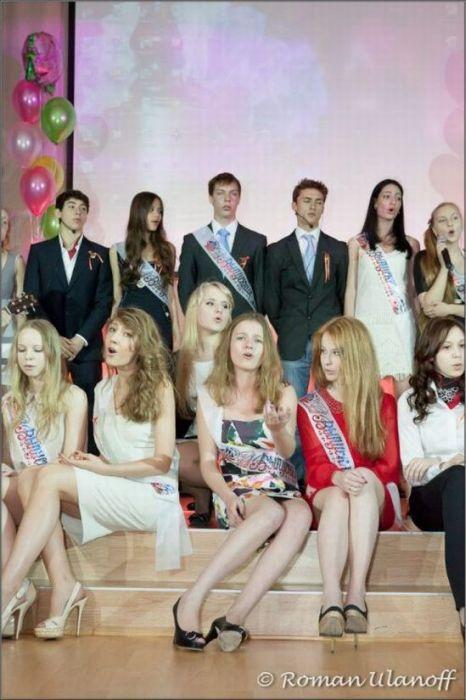 Еще одна подборка выпускниц 2012 (45 фото)