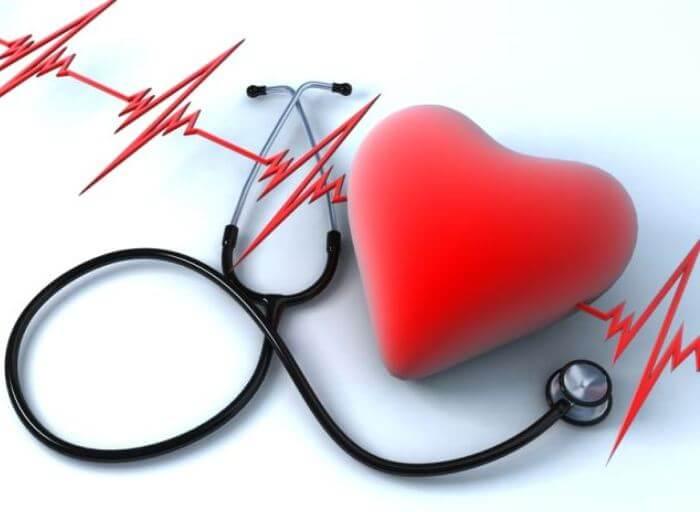 Простая настойка избавит от гипертонии, сердечных болей и мигрени