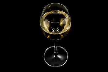 Ученые утверждают, что алкоголь помогает учить иностранный язык