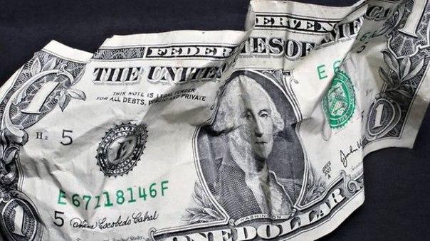 Россия запустила механизм отказа от доллара