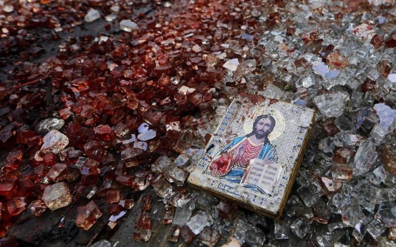 Боевики из нацбатов на Донбассе закидали храм гранатами, пытаясь убить священника УПЦ МП
