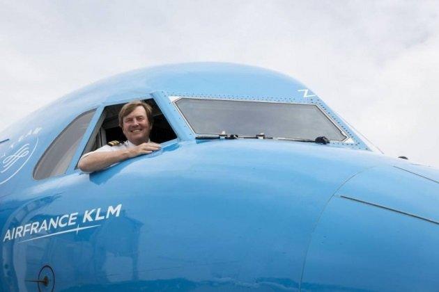 Король Нидерландов тайком трудился пилотом пассажирского самолета