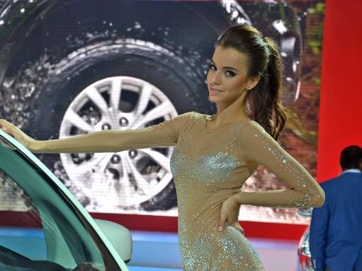 Фоторепортаж: девушки Московского автосалона