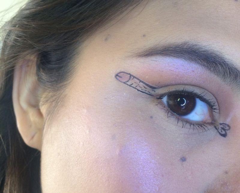 Новый тренд в макияже — стре…