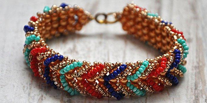 Варианты плетения браслетов из бисера