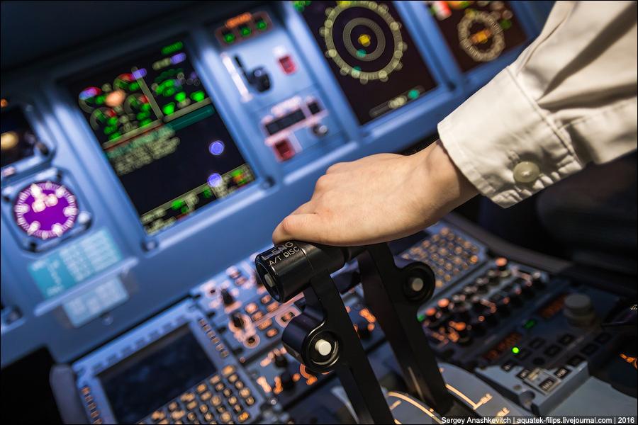 Сколько получают пилоты самолетов в России и за рубежом...