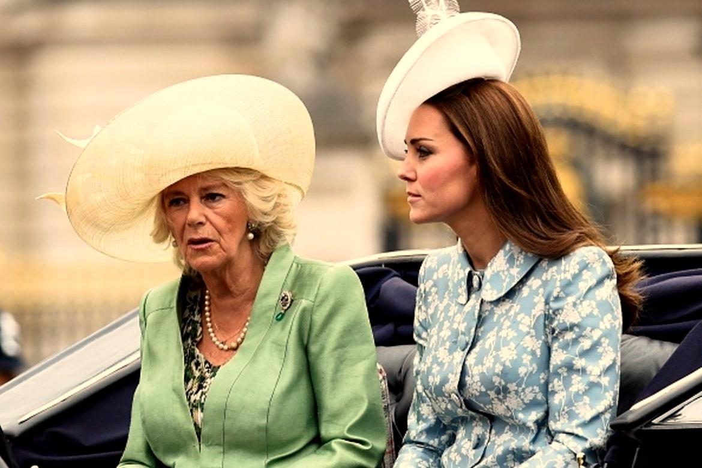 Отношения разорваны: в королевской семье Британии разгорелся скандал
